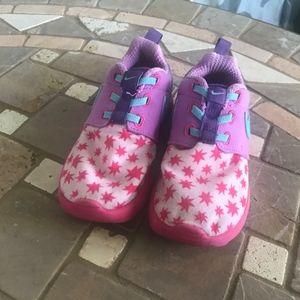 Nike Shoes - girls NIKEs size 10